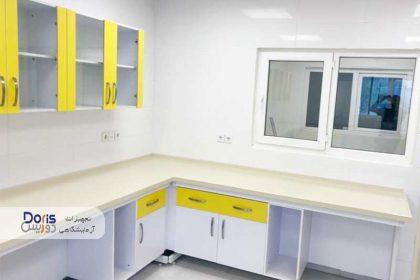 ساخت و نصب تجهیزات سکوبندی آزمایشگاه داروسازی دورسا دارو