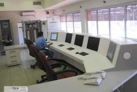 کنسول اتاق کنترل پالایشگاه مسجد سلیمان